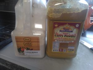 garlic and curry powders